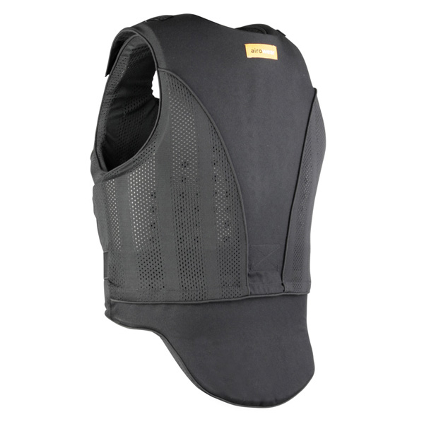 De achterkant van de zwarte bodyprotector voor volwassene van Airowear Reiver.