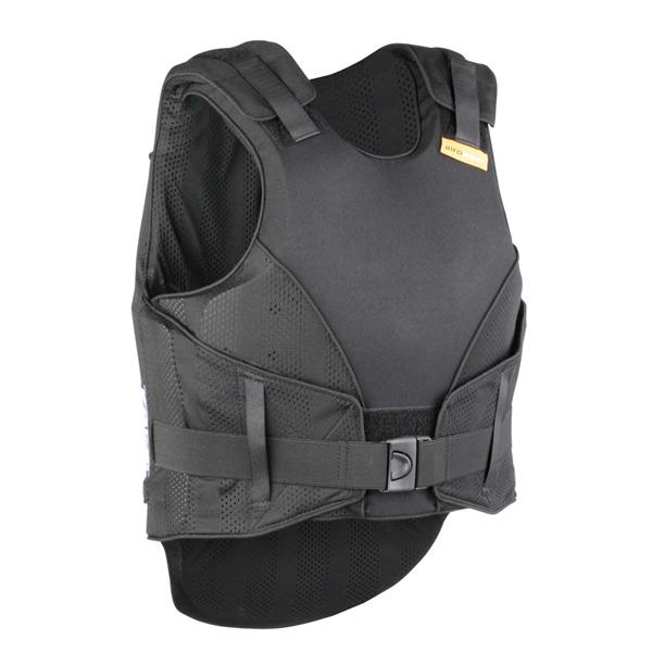 De voorkant van de zwarte bodyprotector voor volwassene van Airowear Reiver.
