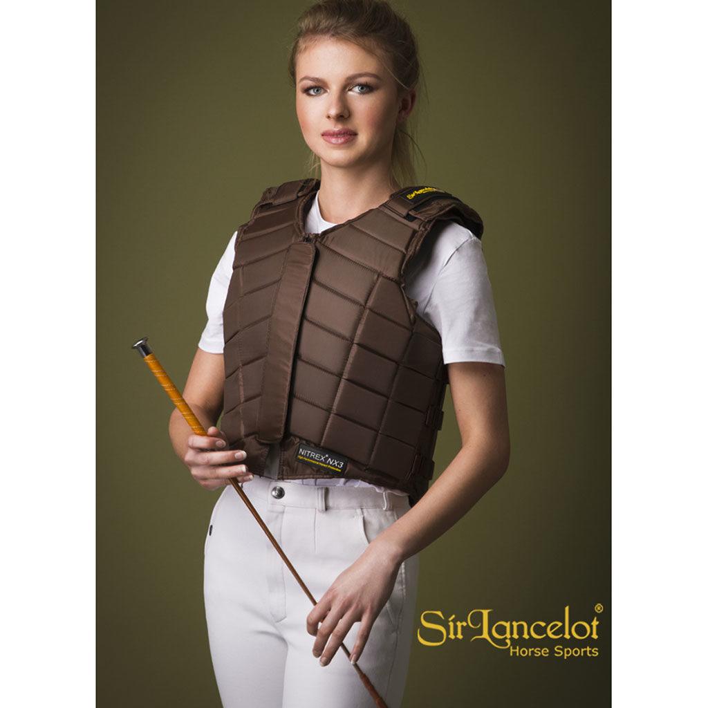 sir-lancelot-bodyprotector-brown-bruin-2016-front